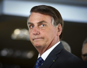 Bolsonaro insulta a periodista de Folha con insinuación sexual