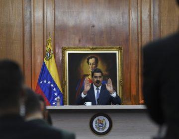 """Maduro pide a México y otros """"gobiernos amigos"""" que sean mediadores del diálogo en Venezuela"""