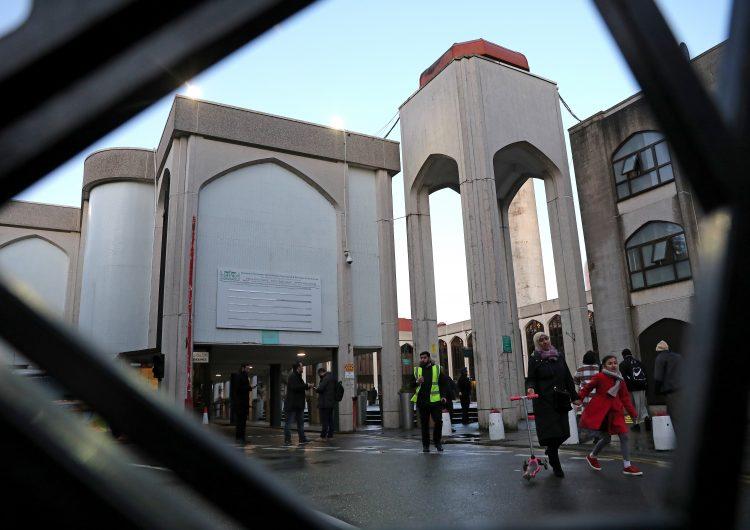 Un detenido en Londres tras apuñalar a un hombre en una mezquita