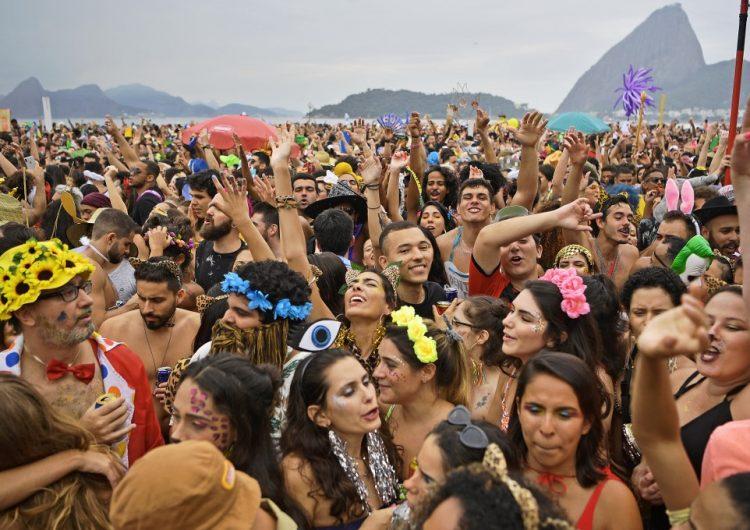 Un Cristo negro, mujer y de sangre indígena llegan al Carnaval de Brasil