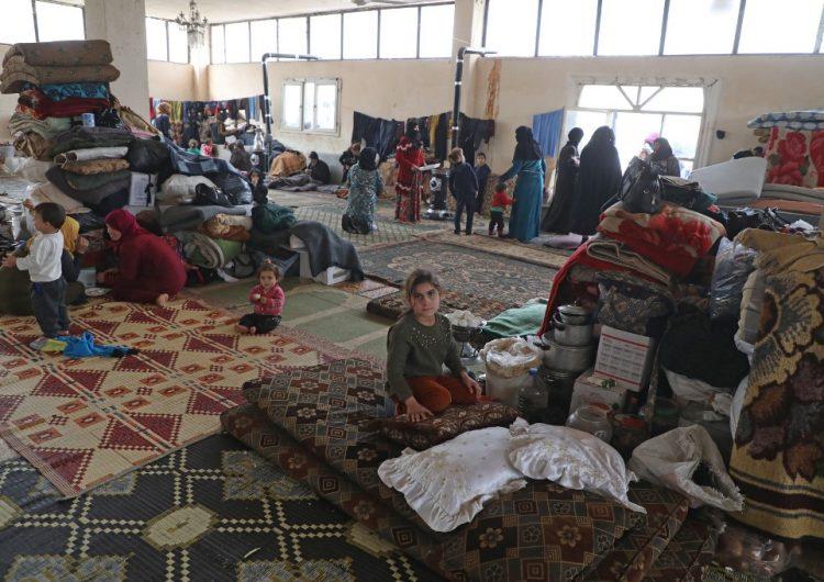 En Siria, familias enteras viven bajo tierra para escapar de la violencia