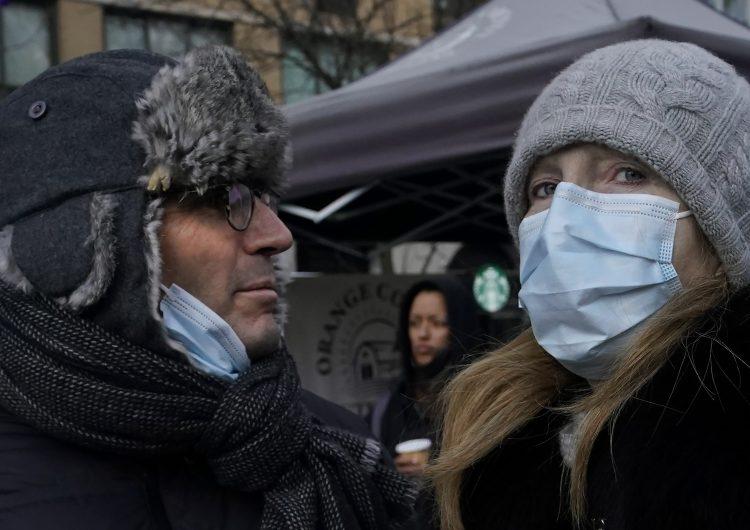 Francia cancela eventos de más de 5,000 personas en lugares cerrados por el coronavirus