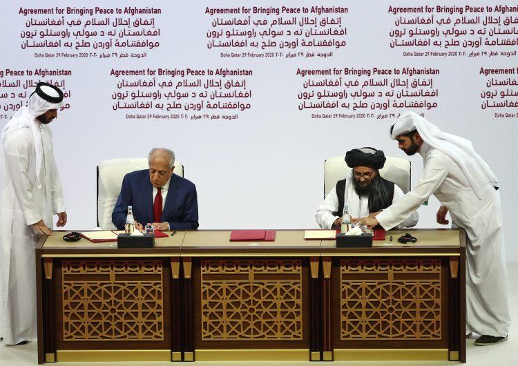 Estados Unidos y los talibán firman acuerdo histórico para el futuro de Afganistán