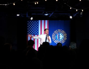 Pete Buttigieg le saca ventaja a Sanders en los resultados preliminares de Iowa