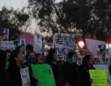 Marchan más de 500 personas en contra de los feminicidios en Tijuana