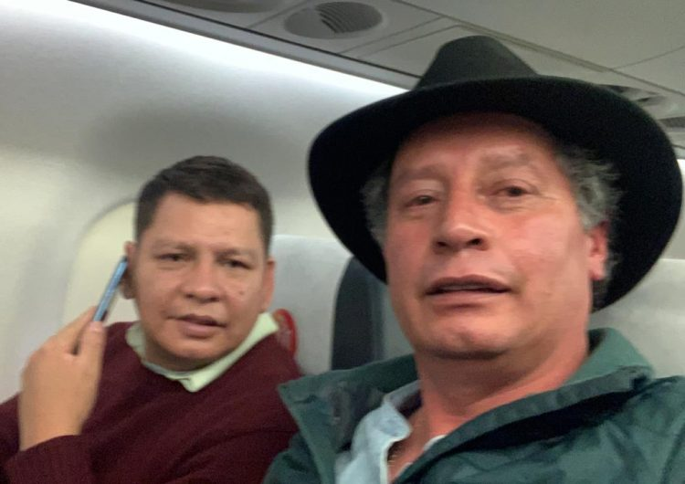 Luego de una breve detención, parten hacia México dos exfuncionarios del gobierno de Evo Morales