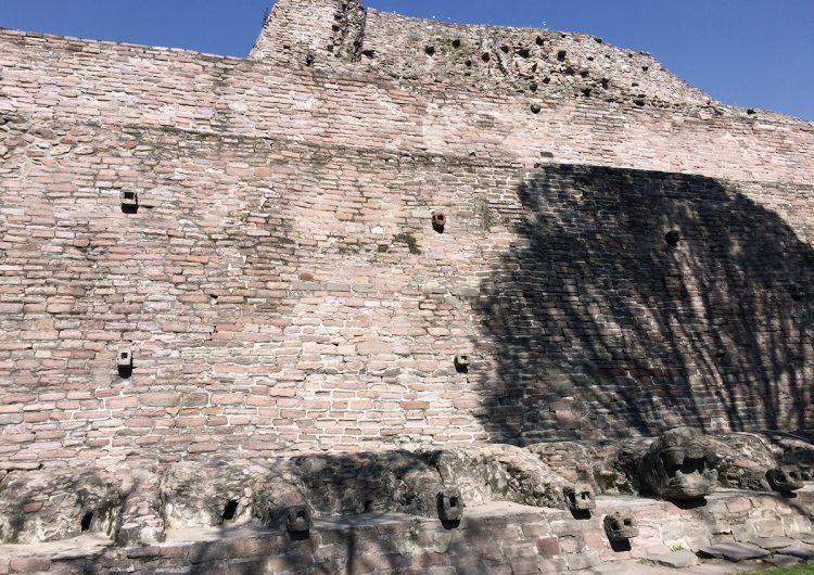 Tenayuca: al rescate de la pirámide del barrio