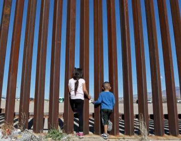 """Dictamen """"monumental"""": las condiciones en las celdas de detención fronterizas violan la Constitución de EU"""