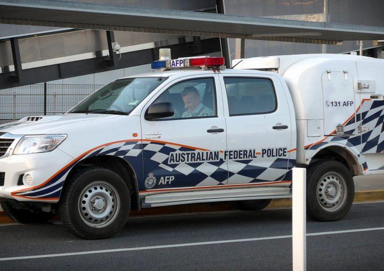 Exjugador de rugby mata a su esposa y sus tres hijos al prenderle fuego a su auto