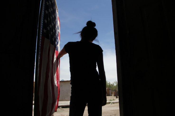 """Joven venezolana fue separada de su familia en EU y enviada """"sola y aterrorizada"""" a Matamoros"""