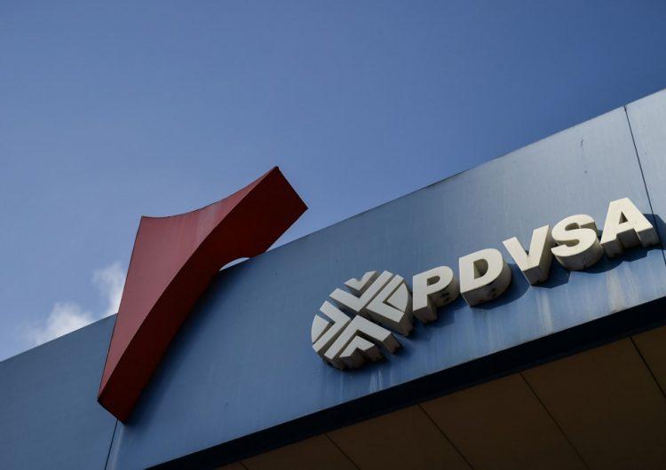 """Detienen a dos gerentes de la venezolana PDVSA por entregar información """"confidencial"""" a EU"""
