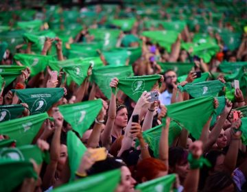 Marea verde en Argentina: El presidente dirige un nuevo intento para legalizar el aborto