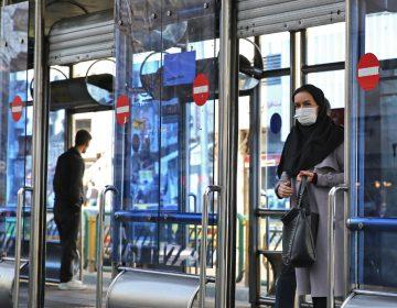 """Mueren 27 personas en Irán tras beber alcohol adulterado para """"curar el coronavirus"""""""