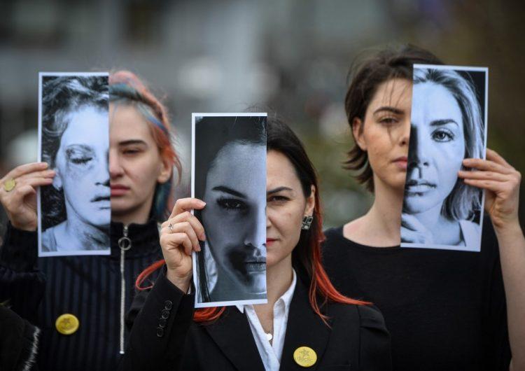 Mujeres se enfrentan a diferentes tipos de violencia en todo el mundo