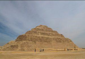 La pirámide egipcia más antigua en pie, reabre tras años de restauración