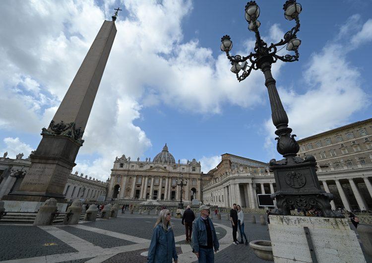 Primer caso de coronavirus en el Vaticano y Perú