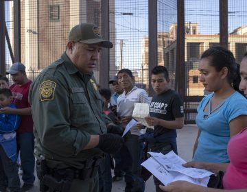 EU anuncia que tomará muestras de ADN de los inmigrantes irregulares