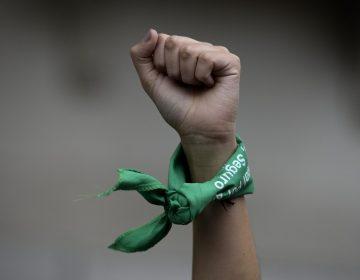 Reporta la FGE 28 investigaciones por abortos en BC este año, mujeres exigen despenalizarlo