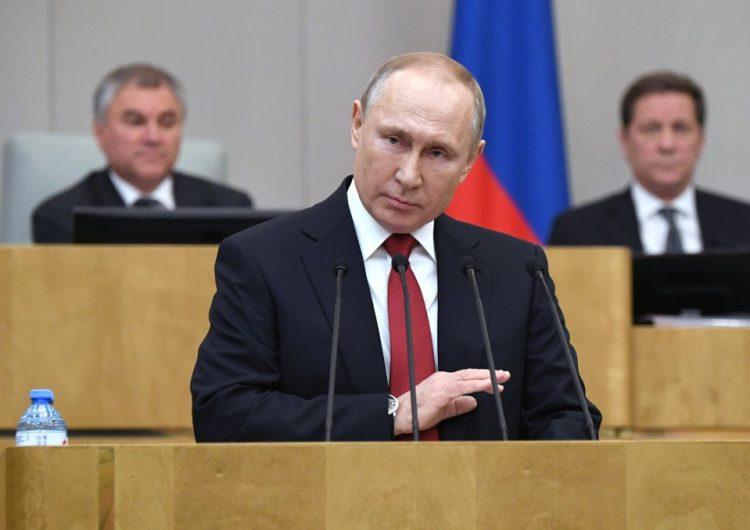 Avanza reforma constitucional de Putin que le permitiría seguir como presidente