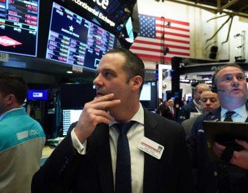 Caída en Wall Street por el coronavirus lleva a suspensión de intercambios