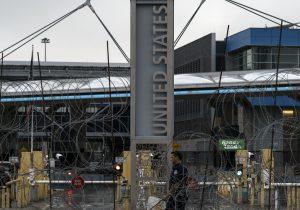 Se suspenderán los viajes terrestres no esenciales en la frontera entre México y EU por el coronavirus