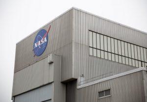 La NASA suspende trabajos para su misión tripulada Artemis a la Luna por coronavirus