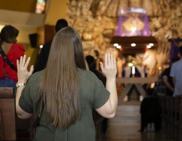 Pastor evangélico es arrestado por celebrar misas con cientos de personas