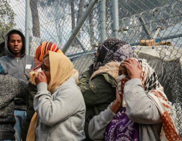 """El campo de refugiados griego de Moria, una """"bomba sanitaria"""" en tiempos del coronavirus"""