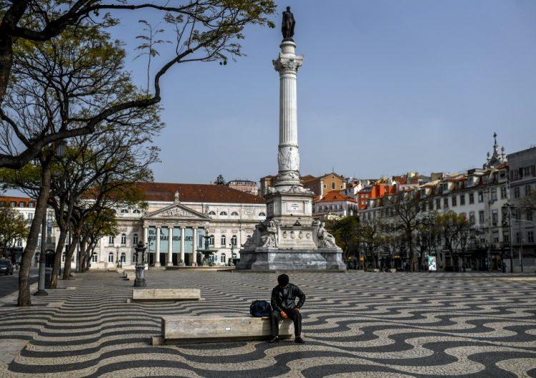 Portugal da permisos de residencia, trabajo y acceso a sanidad a los inmigrantes en proceso de regularización