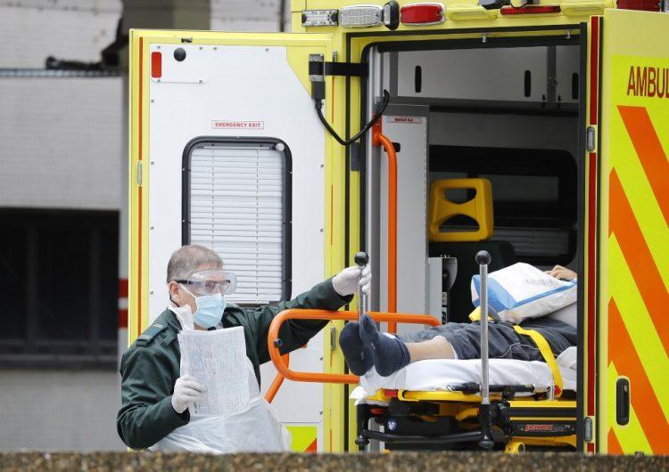 Muere adolescente de 13 años a causa del COVID-19, la víctima más joven en Reino Unido