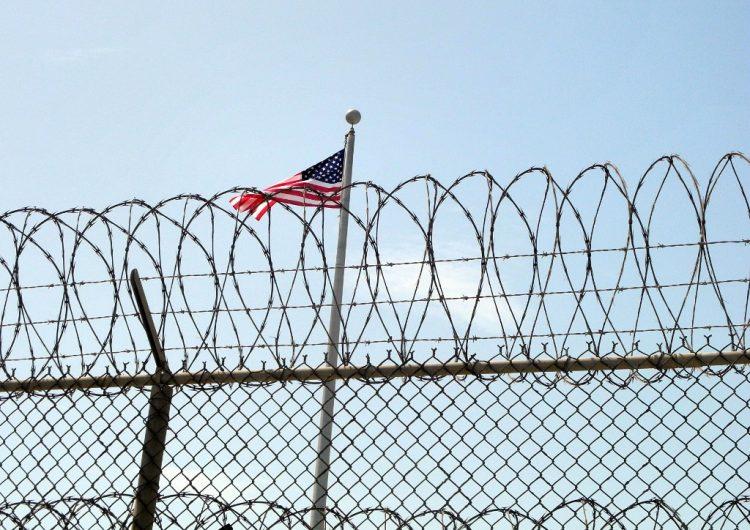 Ordenan liberar a mil presos en Nueva Jersey por riesgos del coronavirus