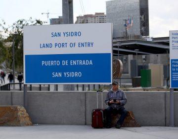 Cruces fronterizos entre México y EU se vacían ante restricciones por coronavirus