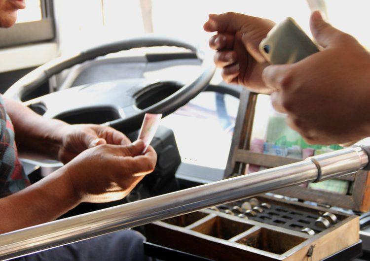Piden camiones urbanos tarifa de 11 pesos