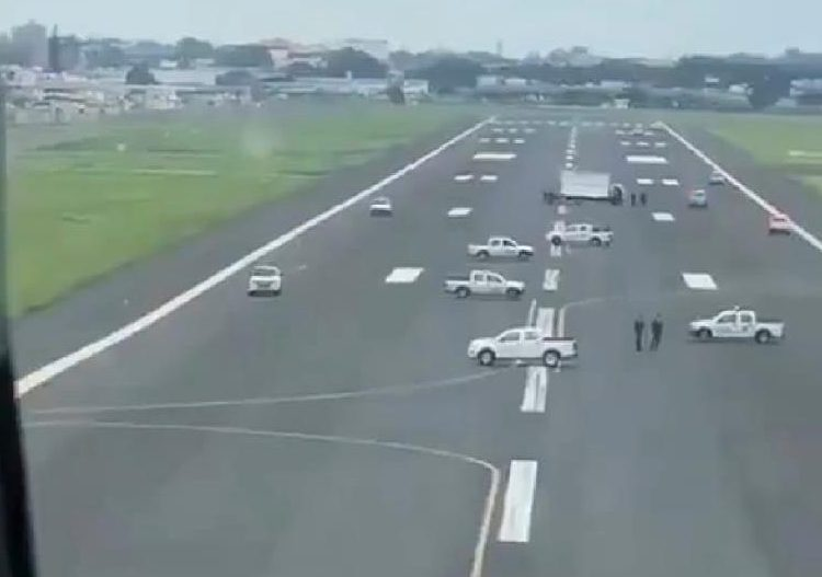 La alcaldesa de Guayaquil, que impidió aterrizar al avión de Iberia, tiene coronavirus