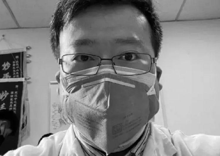 La Policía de Wuhan se disculpa con la familia de Li Wenliang, el médico chino que alertó del coronavirus