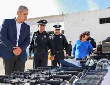 Entregan patrullas y equipamiento a policías de Calvillo