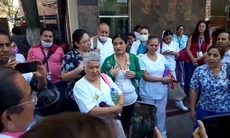 Se manifiestan médicos del IMSS por falta de insumos en Aguascalientes