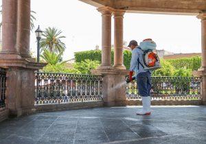 Realizan sanitización de espacios públicos en Calvillo