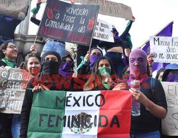 Miles de mujeres poblanas marchan en el Día de la Mujer