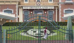 Trabajadores de Disney tendrán licencia forzada sin pago por cierre…