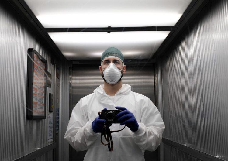 La OMS pide a los países priorizar la formación de enfermeros; faltan 6 millones en el mundo