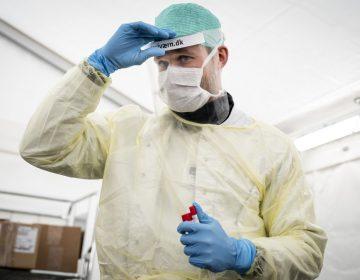 Lo que los médicos han descubierto sobre tratar el COVID-19