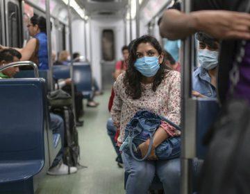 La UNAM recomienda el uso de cubrebocas en lugares concurridos para evitar contagios de COVID-19