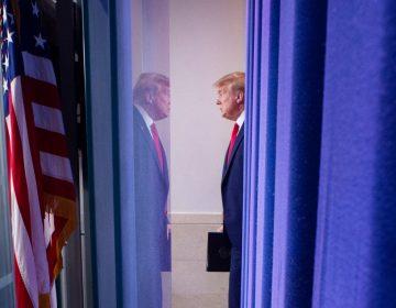 Trump reprocha a la OMS estar muy enfocada en China; amenaza con suspender fondos