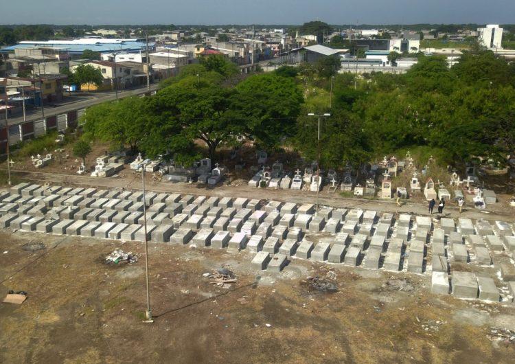 Retiran 771 cadáveres que estaban en viviendas de Guayaquil