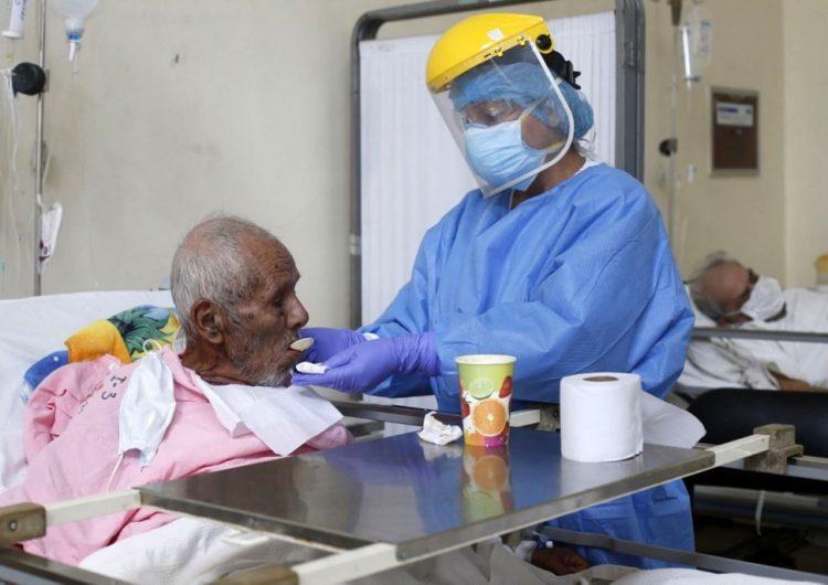 OMS señala que la mitad de las muertes en Europa son ancianos