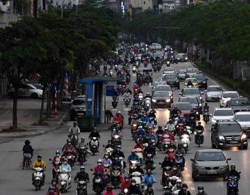 Vietnam comienza a salir del confinamiento, orgulloso de un aparente éxito ante el COVID-19