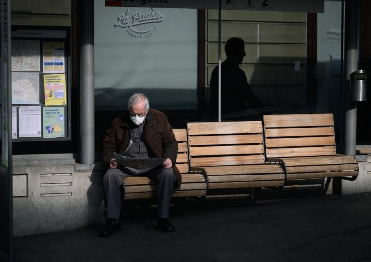 Los hombres tienen el doble de riesgo de morir por COVID-19, sugiere estudio