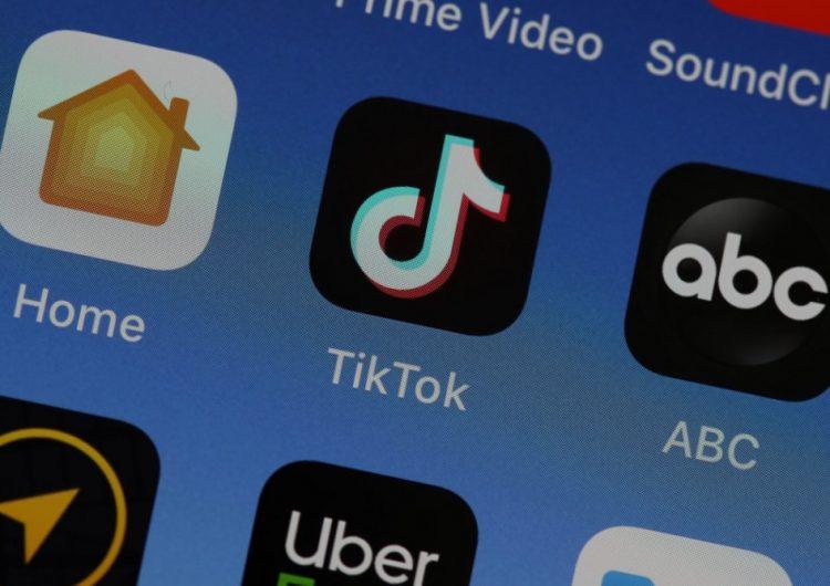 Falla de seguridad en TikTok pone en peligro a cuentas verificadas