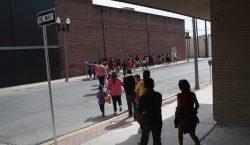 Contagiadas de coronavirus, 19 personas detenidas en centro de migración…